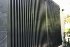 modern fence vertical aluminum tubing