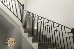 aluminum-vertical-bar-staircase-railing-with-squares-accent-design-akouri-metal-miami-florida01