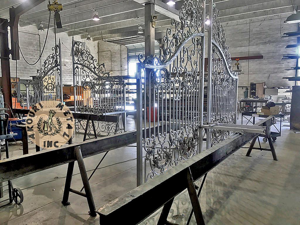 workroom akouri metal